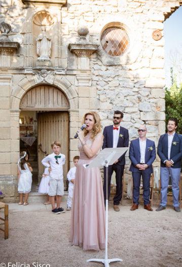 officiant cérémonie laïque mariage et chanteuse lyrique Ariane DOUGUET