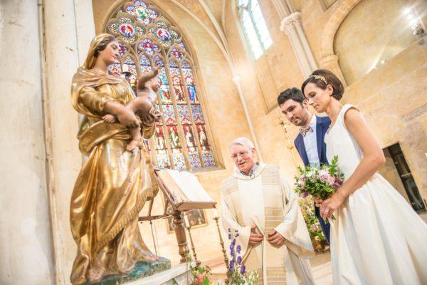 rituel bouquet a la vierge messe mariage ceremonie église aria