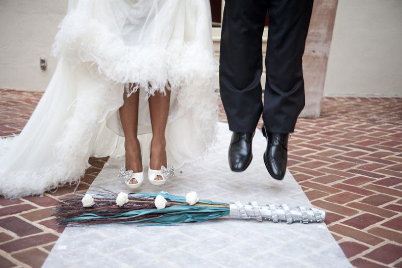 aria rituel balais jumping the broom ceremonie laique mariage officiant