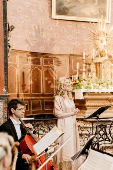 chanteuse messe mariage église cérémonie messe bénédiction animation lyrique aria
