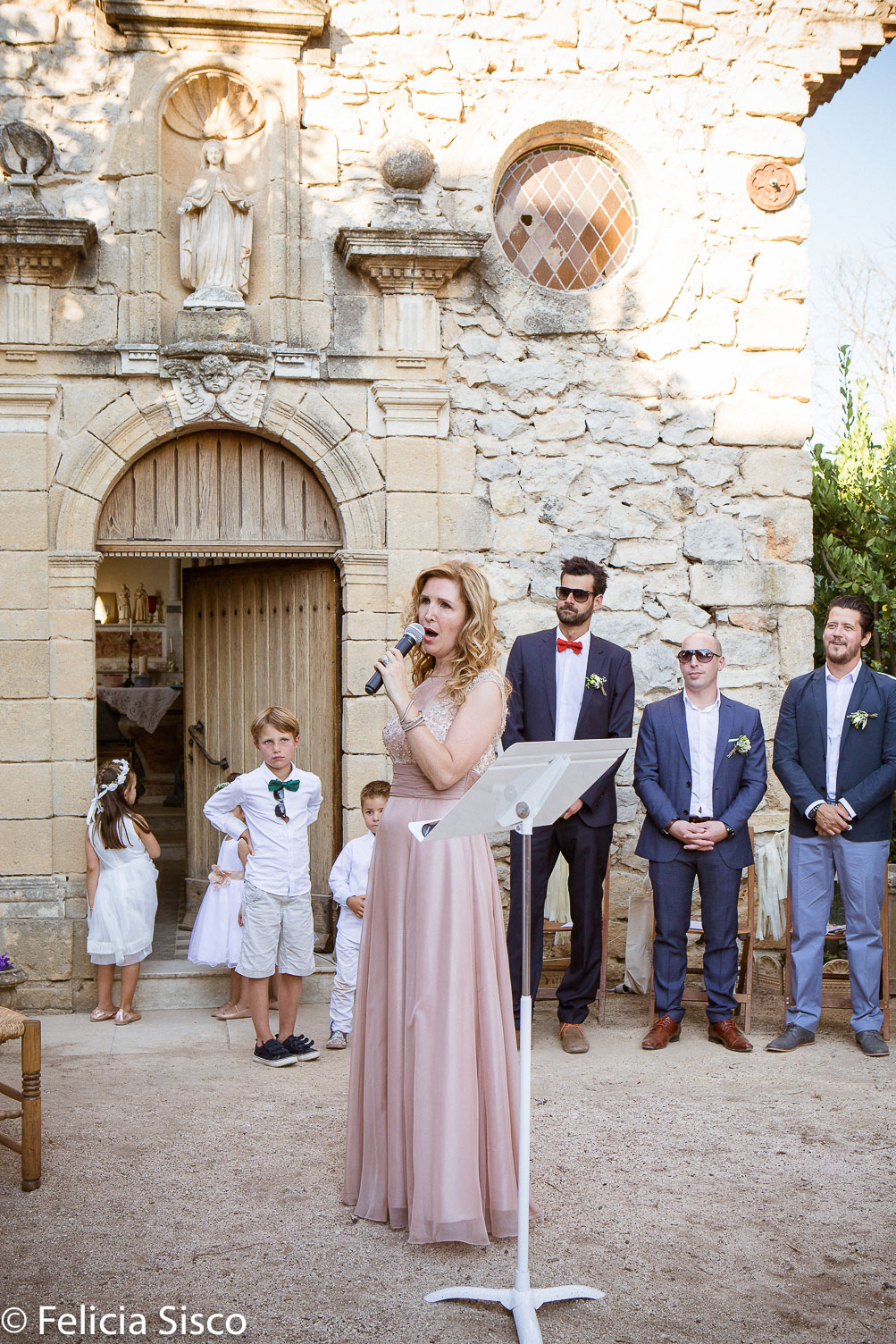 aria in France wedding celebrant singer