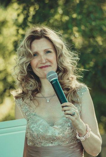 aria officiant cérémonie laïque ariane douguet chanteuse