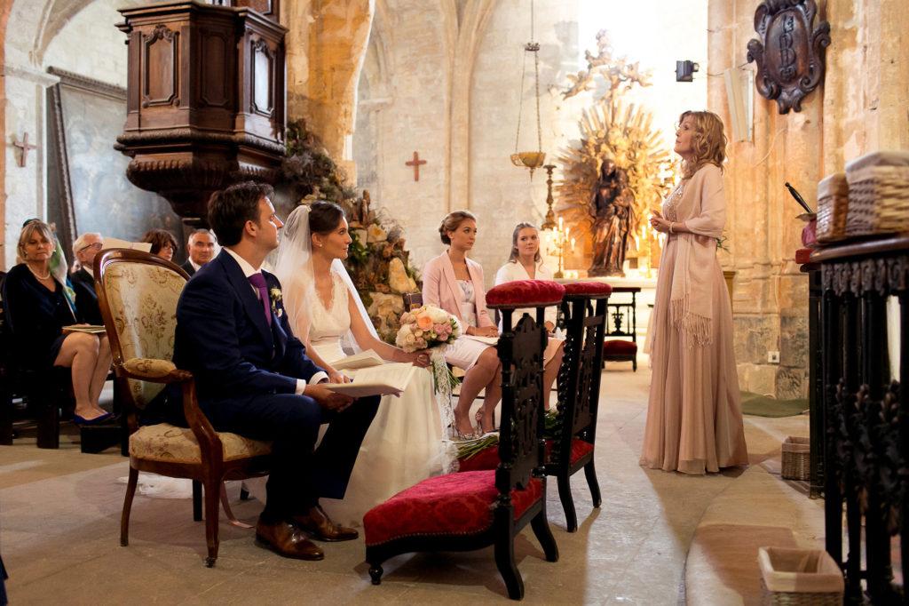 French church wedding singer in France Paris Provence Ariane Douguet