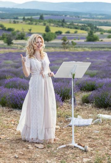 ariane douguet officiant ceremonie laique vaucluse mariage intime elopement provence
