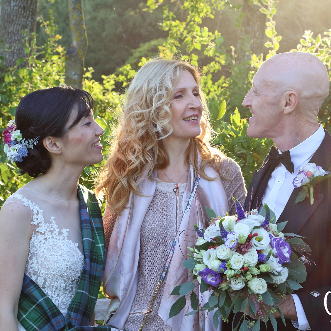 French wedding celebrant in south of France aria