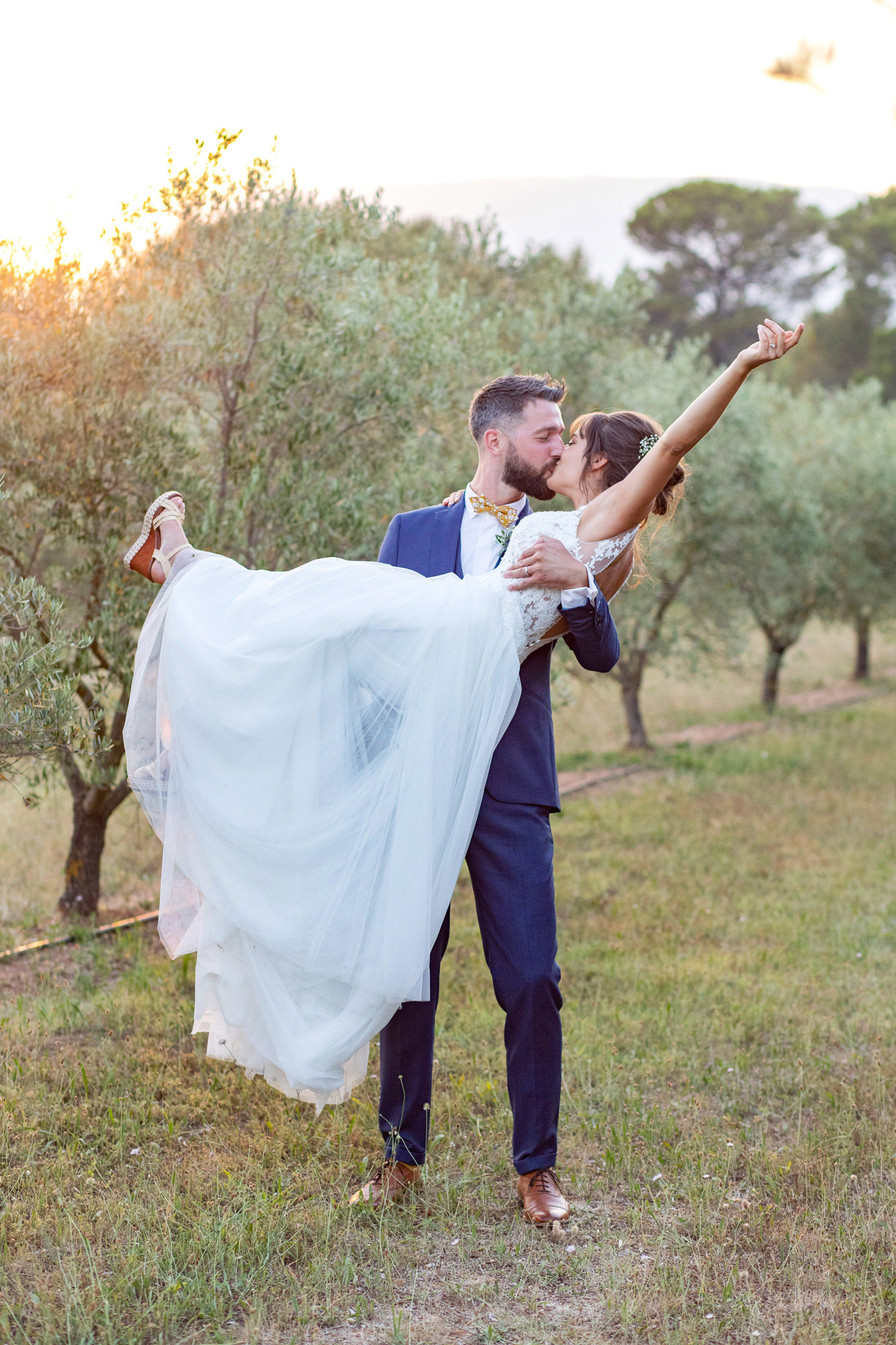 romantic elopement in Provence for lovers