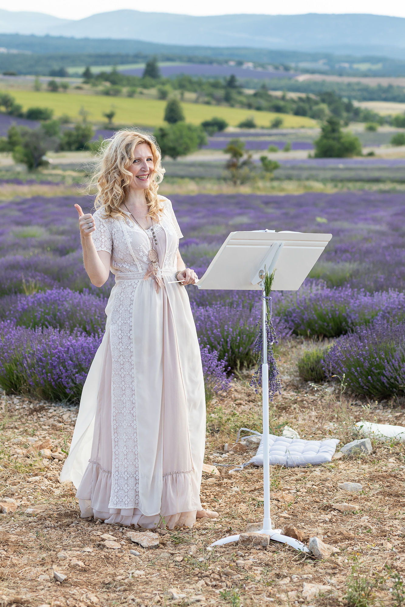 French officiant singer Ariane Douguet for your elepement in Provence aria wedding celebrant in south of France